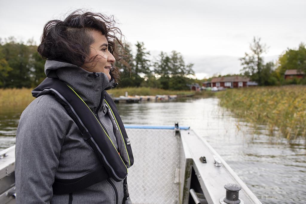 Sarahi Garcia at lake Erken outside of the Erken Laboratory field station (Uppsala University), in October 2019.